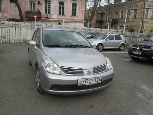 Прокат Nissan Tiida 1.5 AT в Тбилиси (Грузия)