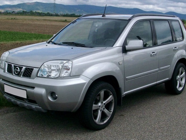 Прокат Nissan X-Trail 2.0 AT 4x4 в Тбилиси (Грузия)