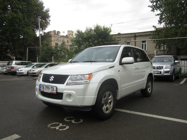 Прокат Suzuki Grand Vitara 2.7 AT 4x4 в Тбилиси (Грузия)