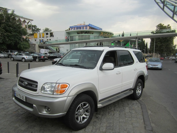 Прокат Toyota Sequoia 4.7 AT в Тбилиси (Грузия)